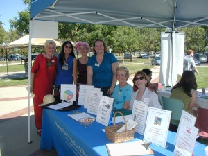 Cheers to the Friends of the Roseville Library
