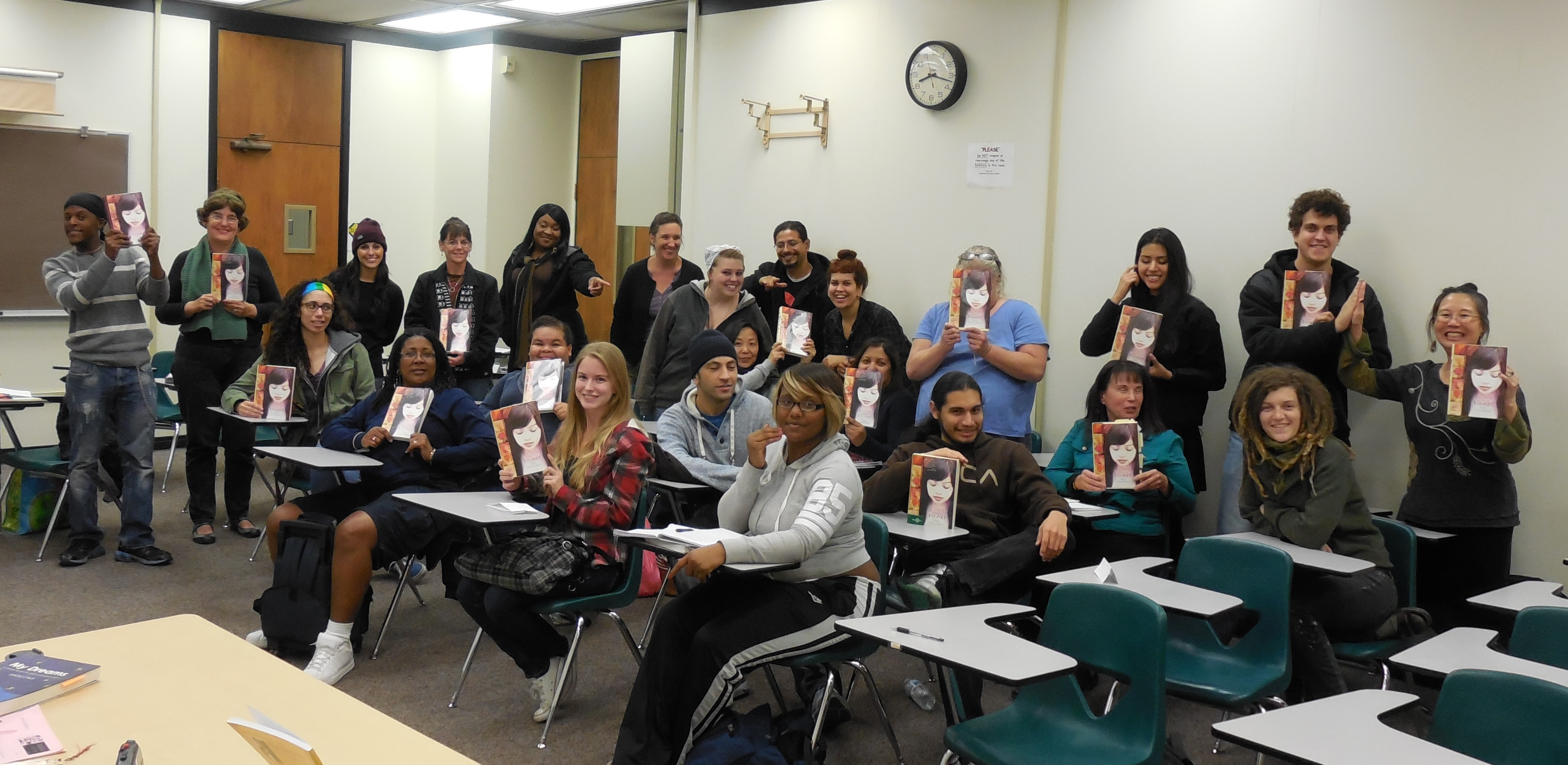 author Teresa LeYung-Ryan visits Professor Sheryl Fairchild and Women In Psychology students, photo by MYW
